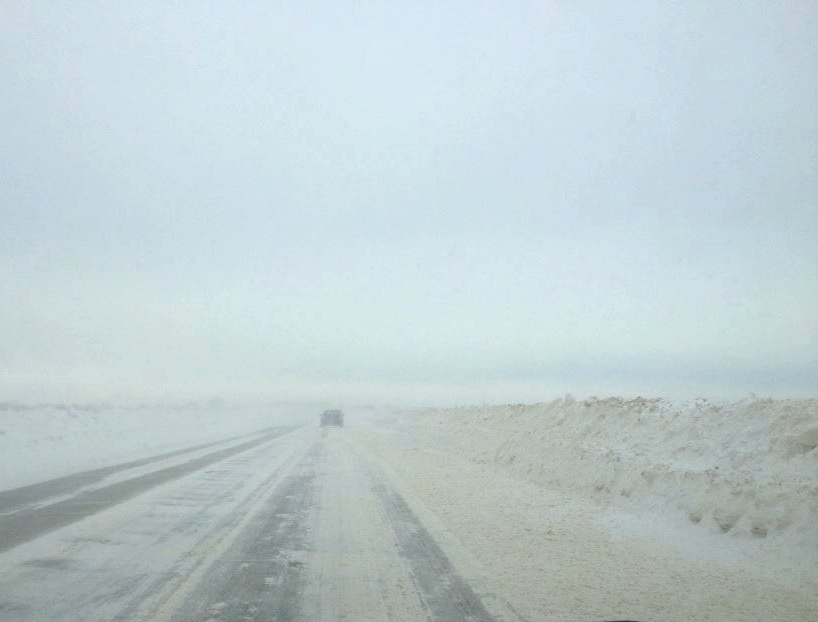 Route 176 in Illinois, Thursday January 29, 2014 around 7:30 in the morning. Photo by Megan McDaniel
